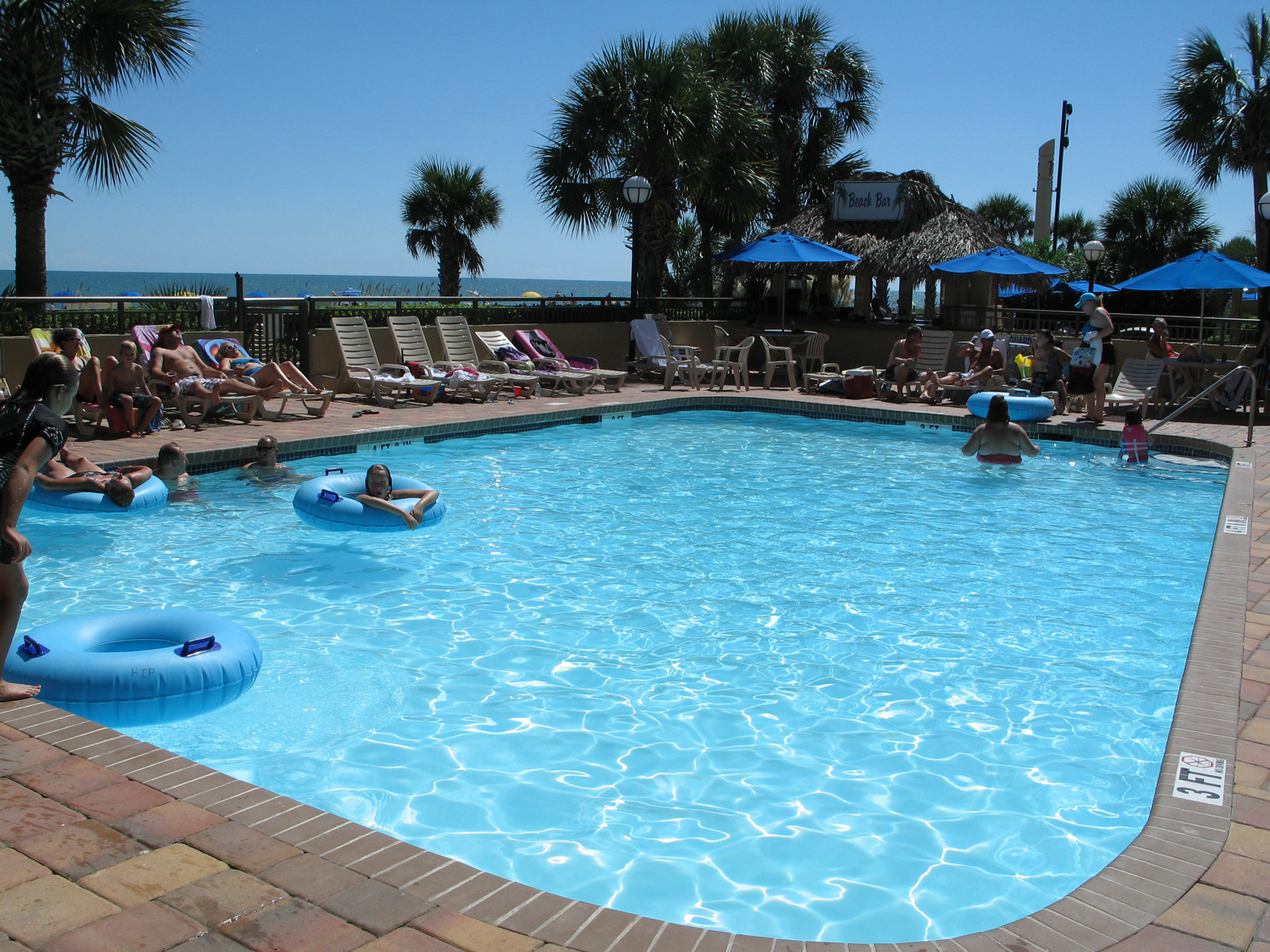 Holiday Inn at the Pavilion outdoor pool & beach bar