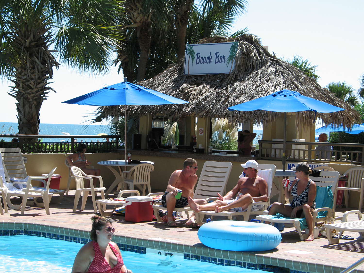 Holiday Inn at the Pavilion Beach Bar