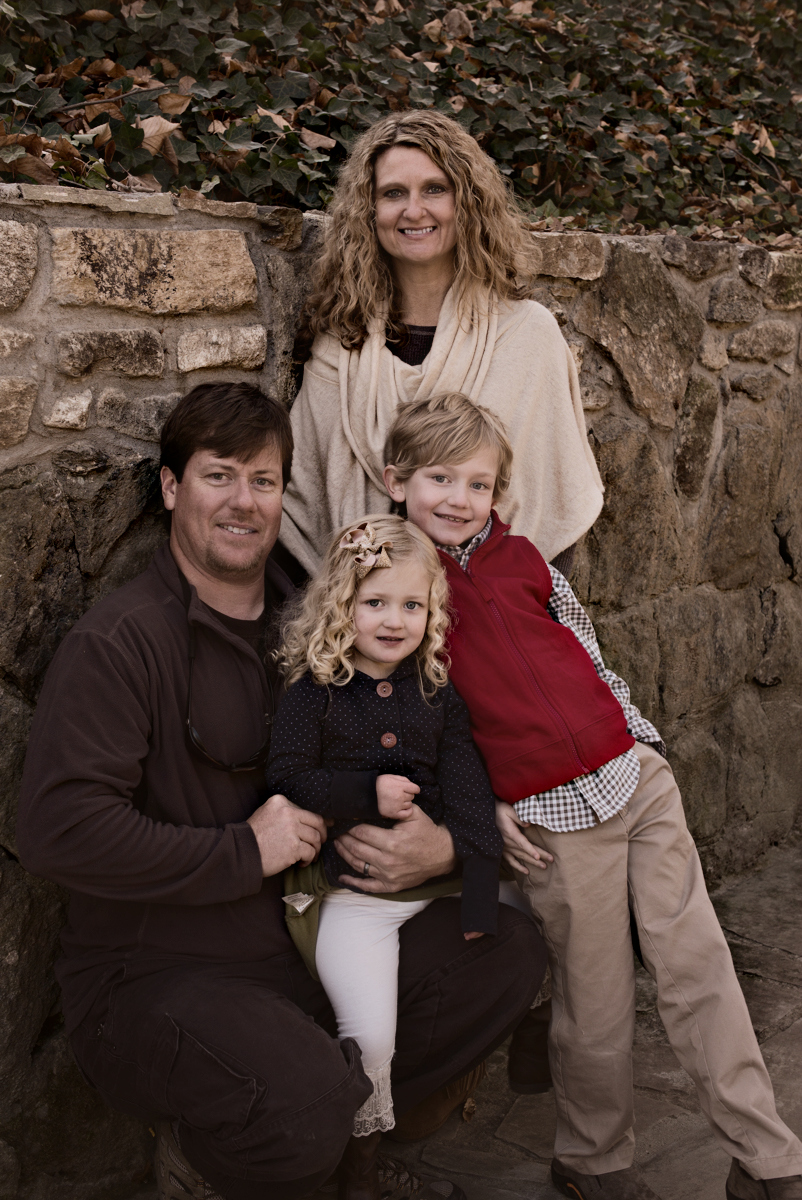 Andrew Long, his wife Kristen and their 2 children