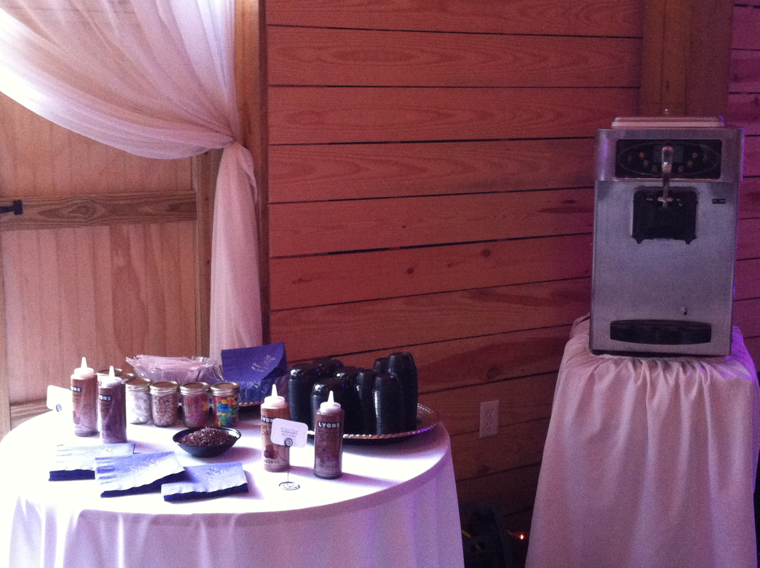 Atlanta Ice Cream Bar & Frozen Yogurt Machine Rental