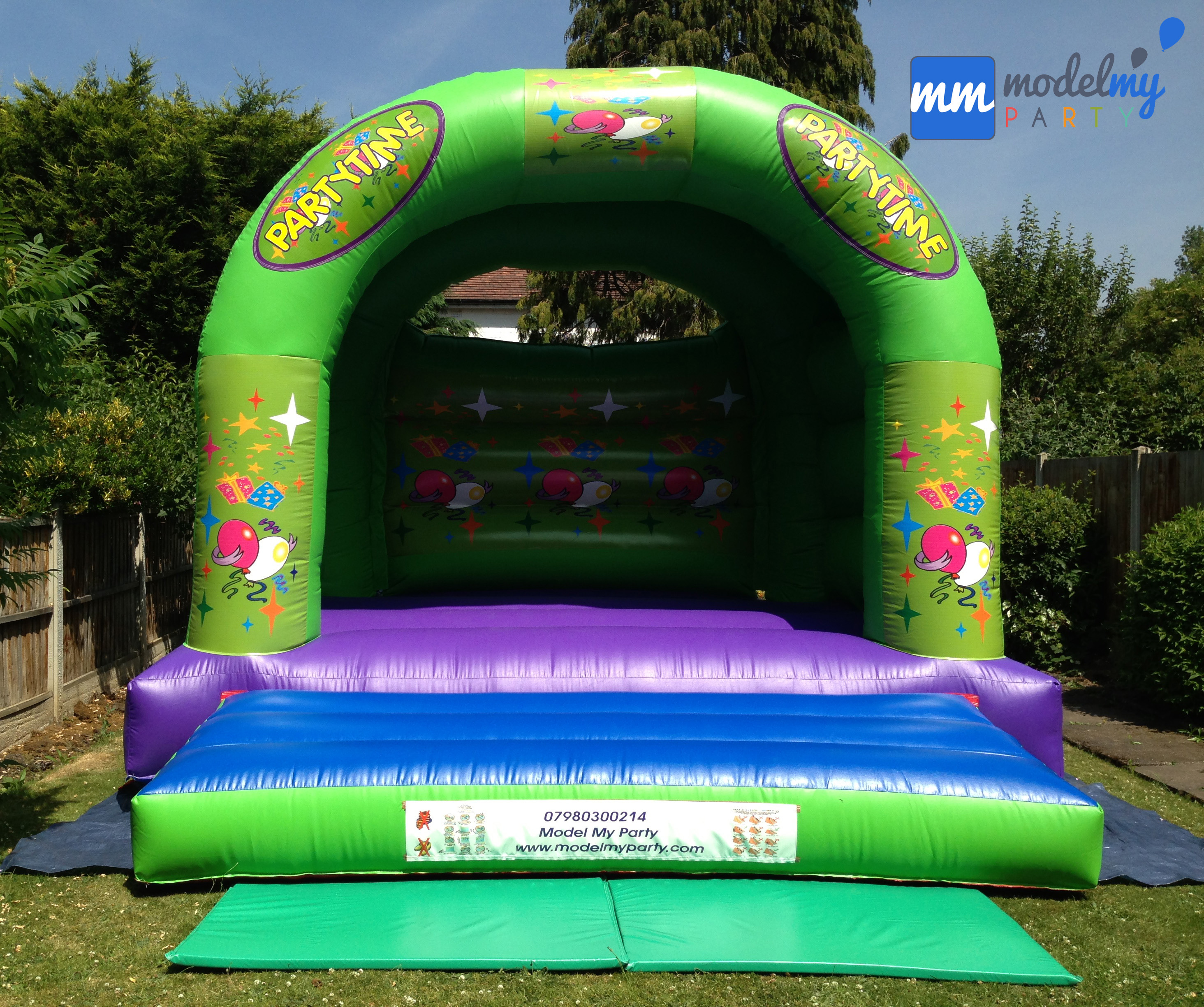 Adult bouncy castle 15ft by 15ft