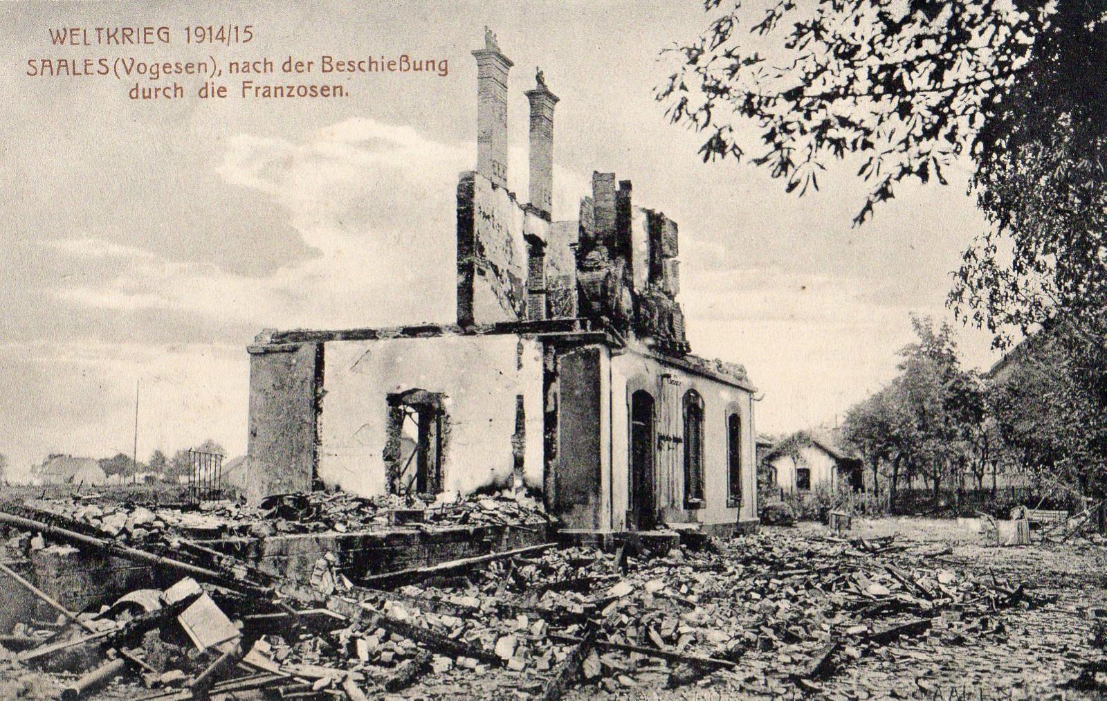 AK Weltkrieg 1914-15 - Saales, Vogesen nach der Beschießung durch die Franzosen