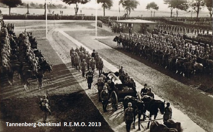 Beisetzung von Paul von Hindenburg 1934 - Am Eingang