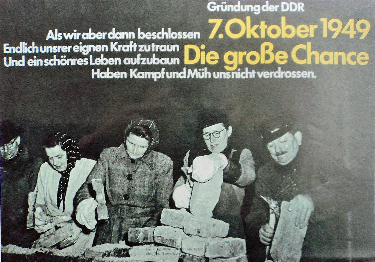 Truemmerfrauen und Maenner, 1945
