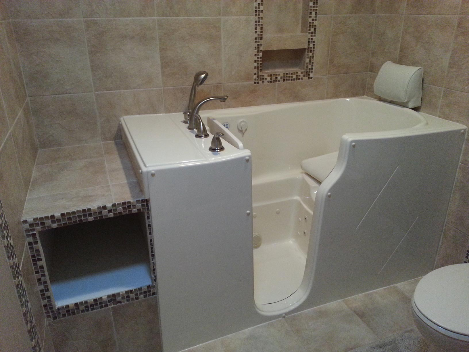 Walk In Tub With Heated Seat. theratub walk in tubs image Walk In Tub Reviews  Ratings and Comparisons